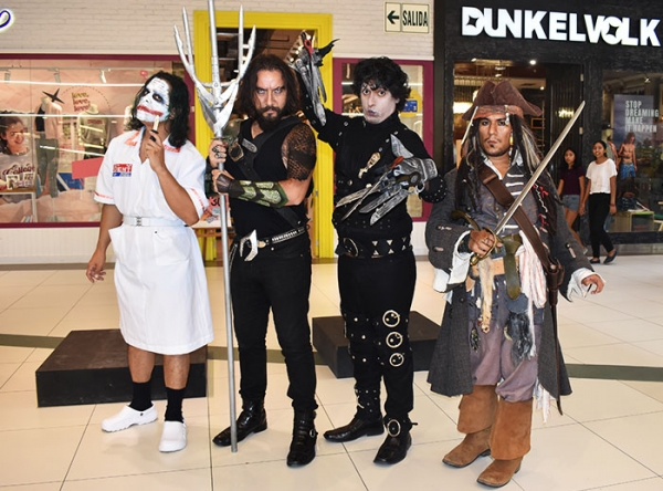 Cosplayers en vivo - Mall del Sur