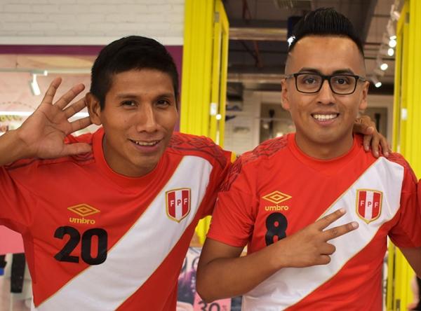"""Activación """"Dobles de la Selección"""" - Mall del Sur"""