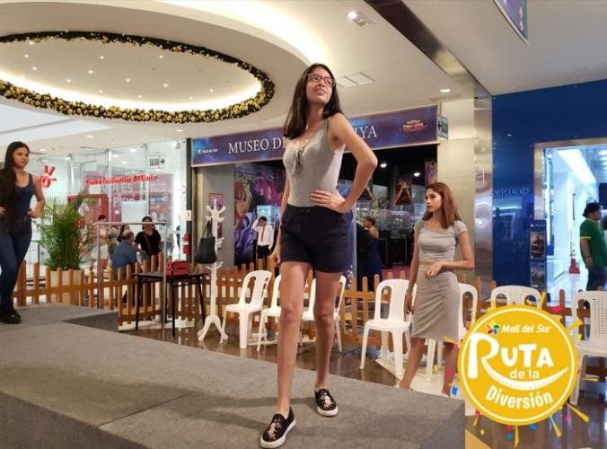 CLASES DE MODELAJE Y PASARELA PARA TEENS - Mall del Sur