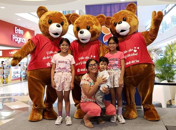 TOMA DE FOTOS CON LOS OSOS - Mall del Sur