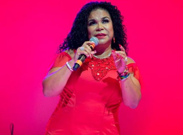 Show Criollo Tributo a Eva Ayllon - Mall del Sur